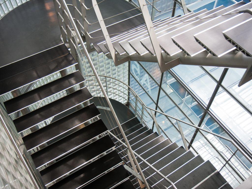 Castus-NRW Gebäudereinigung Treppenhausreinigung